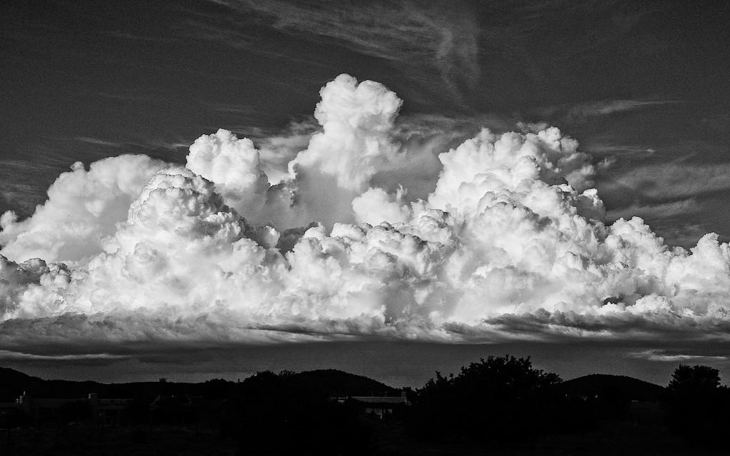clouds-1-bw_lzn
